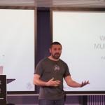 Primeros minutos de la Meetup con Txema